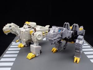 Transformers Bumblebee Cyberverse Adventures Deluxe Class Grimlock (20)