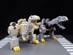 Transformers Bumblebee Cyberverse Adventures Deluxe Class Grimlock (21)