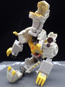 Transformers Bumblebee Cyberverse Adventures Deluxe Class Grimlock (23)
