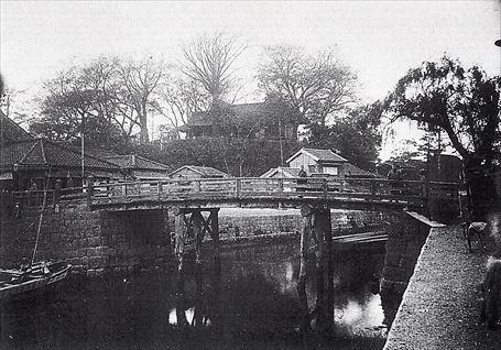 明治中期の今戸橋と待乳山聖天