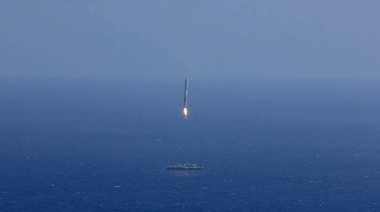 CRS-6_First_Stage_Landing-02.jpg