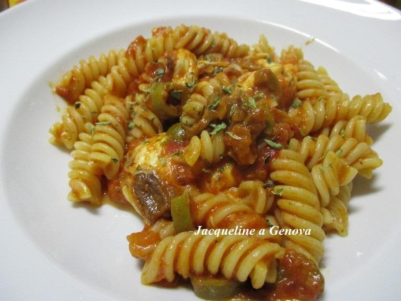 fusilli_al_pomodoro_olive_mozzarella3_191015