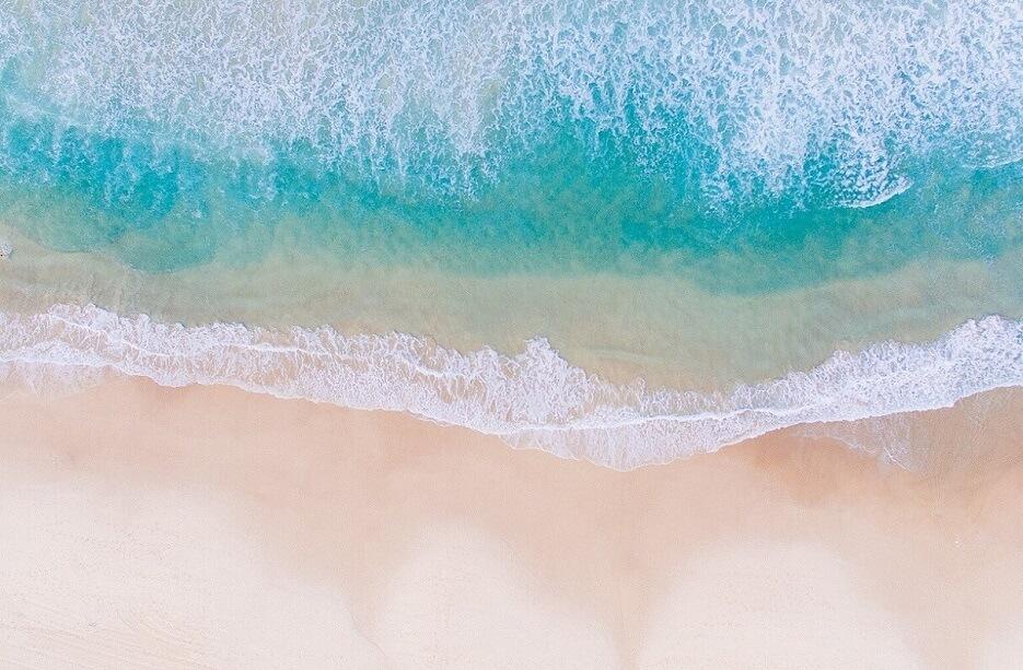 見出し画像 ユリとナツキ 砂浜 海 Photo by Fezbot2000 on Unsplash