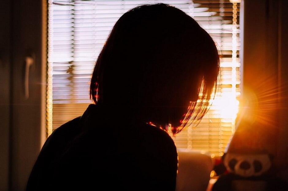見出し画像 サヨリ 女性 朝 ブラインド Photo by Kristijan Arsov on Unsplash