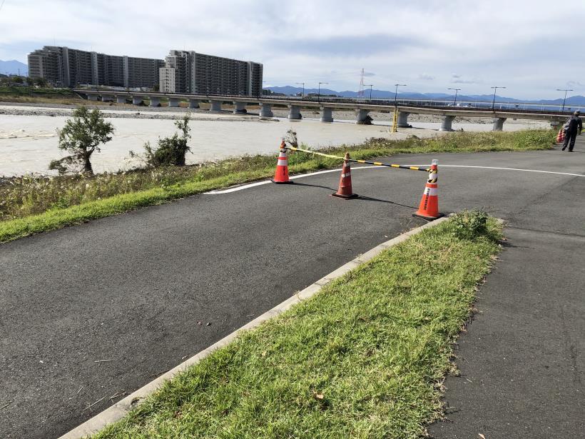 台風19号の後の多摩サイ04