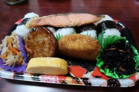 100円サクラ大根とお弁当