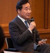 [韓国の反応]韓国の李首相、慶大生と交流「若者の未来志向的な韓日関係に期待」「首相を支持するけど、日本は強国なんだから配慮して欲しいという言い方はとても私のプライドを傷つける」の声