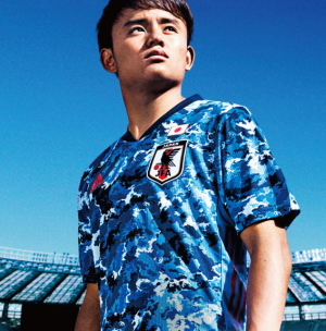 [韓国の反応]アディダスが日本代表の新ユニフォームを発表「とうとうサッカーでも軍国主義宣言をするようになったのか(笑)」