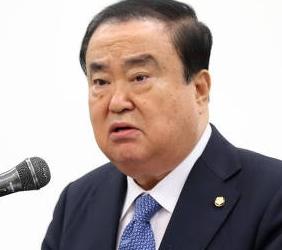 [韓国の反応]上皇におわびの手紙? 河村建夫幹事長の発言を否定=文喜相(ムン・ヒサン)「表向きは自国民の馬鹿を煽って水面下ではなれ合って自分の支持率の上昇に使ってたんだろうな」