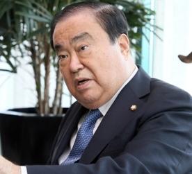 [韓国の反応]強制徴用者への寄付金支給案 日本側の反応「悪くなかった」=韓国議長「お前の中で「国民」とはどこに住んでいるものなんだ?日本の立場のみを考えて韓国民のことを考えないなんて…」