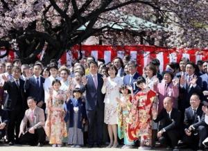[韓国の反応]桜を見る会、自民に推薦枠 ブログ記事、削除の動きも「日本は本当に悪い手本ばかりを見せてくれる素晴らしい国だね」