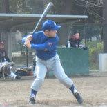 5回表、相澤が二塁打を放つ