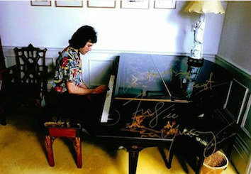 象嵌のピアノ