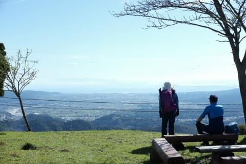 大野山から見渡す足柄平野と相模湾