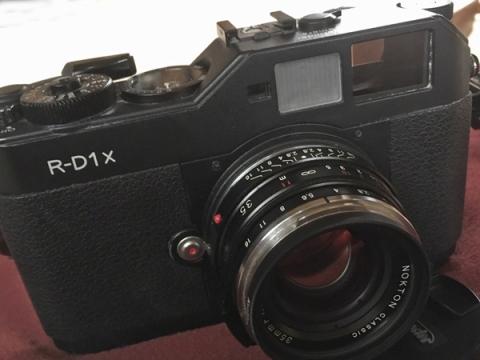 フィルムカメラのようなEpson R-D1x