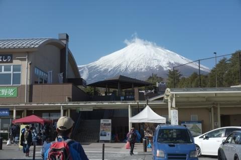 道の駅すばしりから望む初冬の富士山