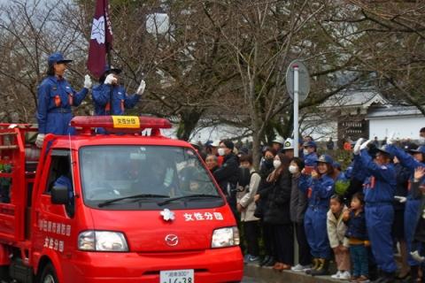 小田原市消防出初式女性分団のパレード