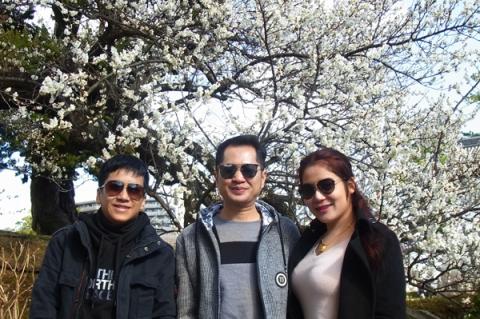 小田原城址公園にラオスからの観光客