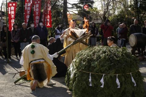 火渡り点火前の儀式