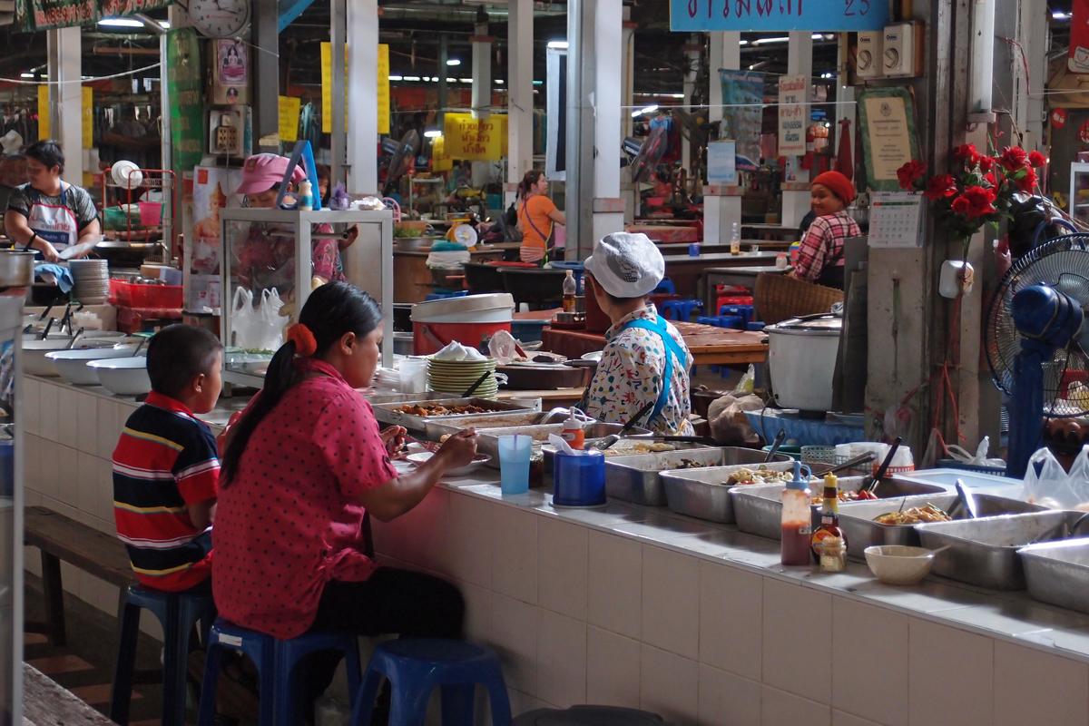 チェンライ市場内で撮ったスナップ