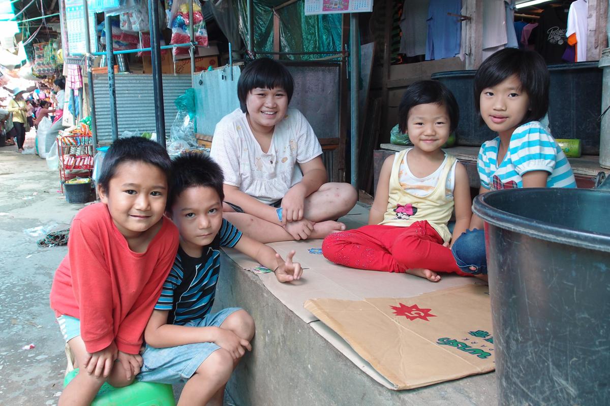 ミャンマー国タチレクの市場スナップ