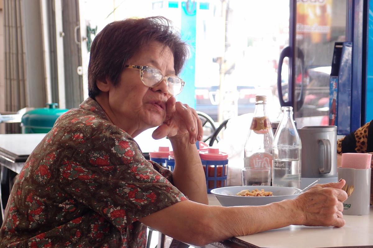 チェンラーイの食堂ムアントーン店主