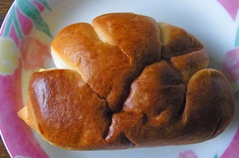 守谷製パンのクリームパンの形