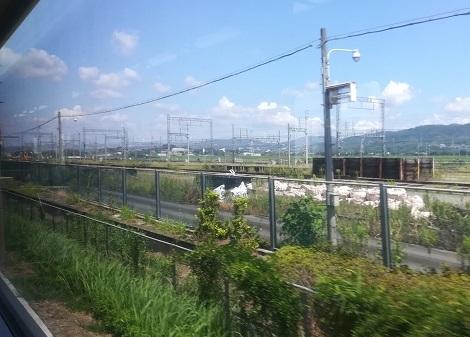7 暫らくは、近鉄・京都線と平行に走行