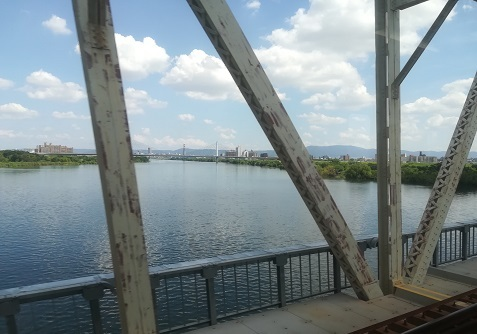 8 淀川を通過