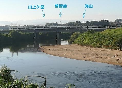 3 大和路快速が通過と大峰山系