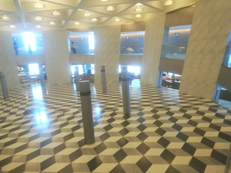 3 エントランスホール