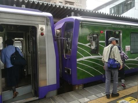 2 加茂駅から亀山行きジーゼルカーに乗車