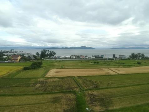 15 左側に琵琶湖を見ながら走行中