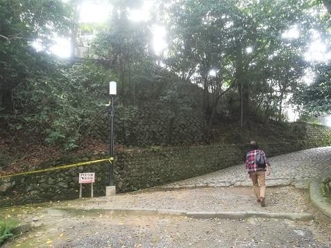 12 伊賀上野城へ向かう
