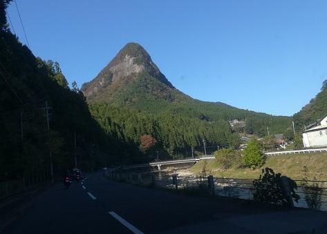 4 曽爾村 鎧岳