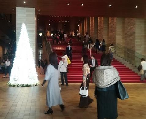 2s フェスティバルホール・正面階段