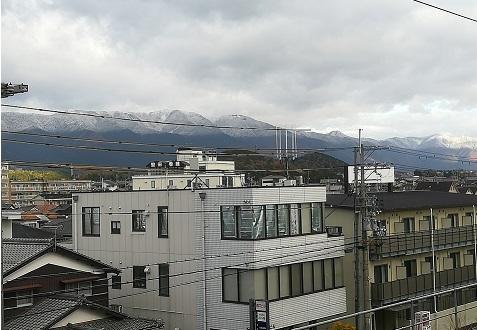 1s JR堅田駅ホームからの比良山系