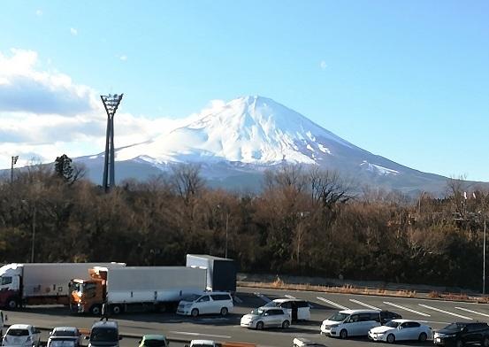 12 足柄SAから富士山の遠望