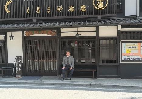 7 木曽福島の蕎麦の名店 開店を待つ