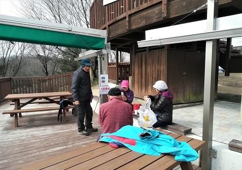 6 明神山の展望デッキ・テラスにてコーヒータイム