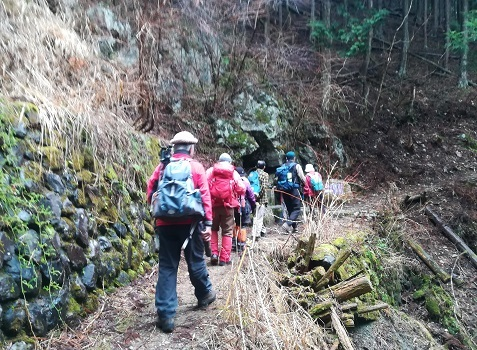 5 登山道を行く