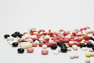 カラフルな錠剤