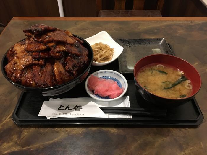 メガ盛りぶた丼2(ぶた丼 とん善)