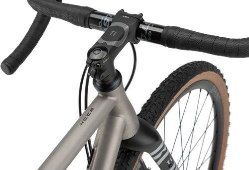 Rondo-Ruut-Ti-Gravel-Bike-2020-Adventure-Bikes-Titanium-Black-2020-RB-088-3.jpg