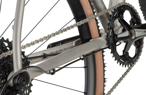 Rondo-Ruut-Ti-Gravel-Bike-2020-Adventure-Bikes-Titanium-Black-2020-RB-088-5.jpg