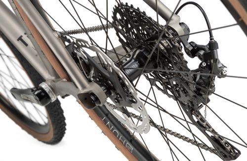 Rondo-Ruut-Ti-Gravel-Bike-2020-Adventure-Bikes-Titanium-Black-2020-RB-088-7.jpg
