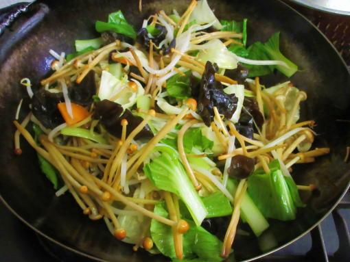 223  青梗菜の葉(1)