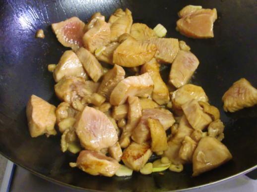 211  鶏肉炒め(1)