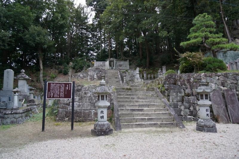 3墓所へ (1200x800)