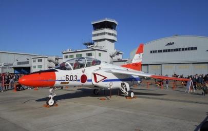 T-4(TPC50周年記念塗装)飛行開発実験団(TPC:ADTW)試験飛行操縦士課程T-7、T-4、F-2、F-4、F-15岐阜かかみがはら航空宇宙博物館2013年映画風立ちぬ2018年アニメひそねとまそたんJASDFカワサキC-2輸送機P-1哨戒機